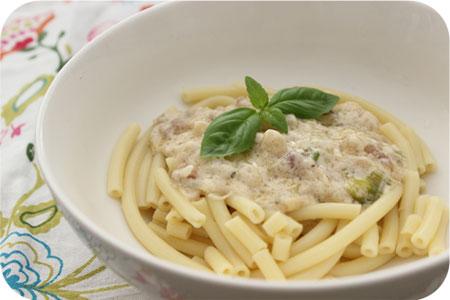 Pasta met Asperges en Pancetta in Romige Saus