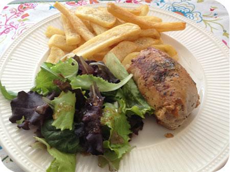 Varkensroulade met Friet en Salade