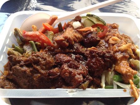 Pasar Malam gember & sereh nasi rames compleet