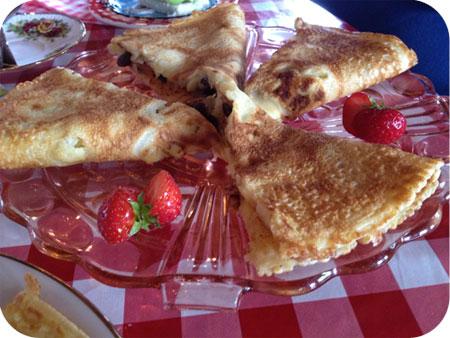 High Pancake bij Sara in Eenrum appel, rozijn, kaneel pannenkoek