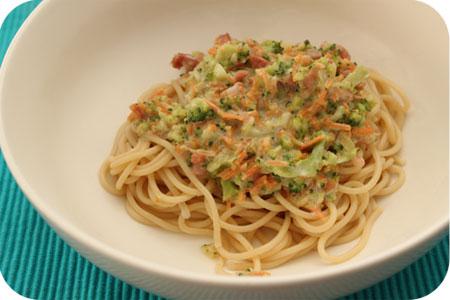 Spaghetti met Broccoli en Wortel Saus