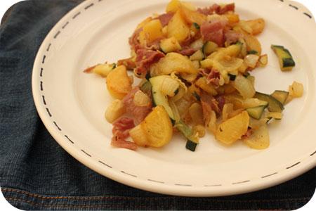 Aardappelschotel met Courgette en Rauwe Ham