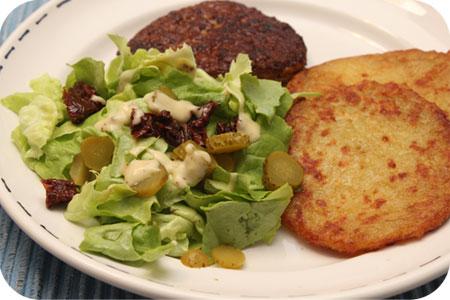 Gemarineerde Kipschnitzel met Kartoffelpuffer en Sla
