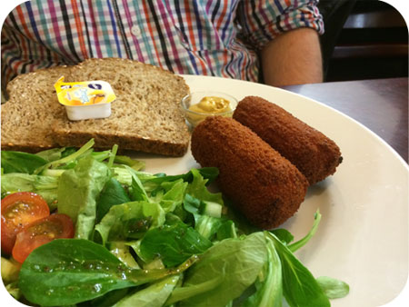 kroketten met brood Lunchroom De Molen in Lanaken