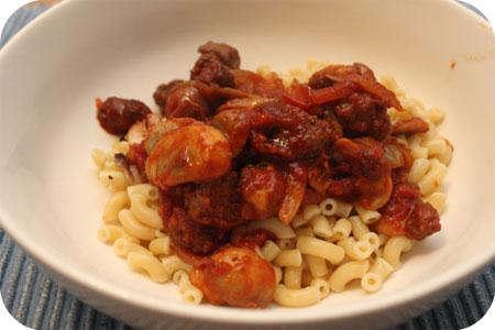 Macaroni met Worst, Champignons en Tomaat