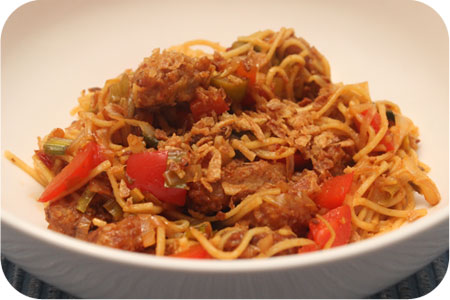 Vega: Noodles met Oosterse Wokblokjes, Paprika en Prei