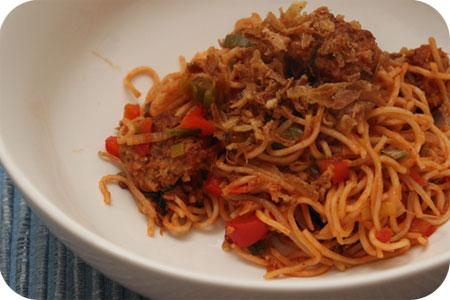 Vega: Noodles met Wokblokjes, Paprika en Prei