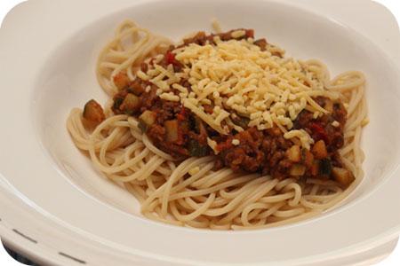 Spaghetti met Courgette, Gehakt en Tomatensaus
