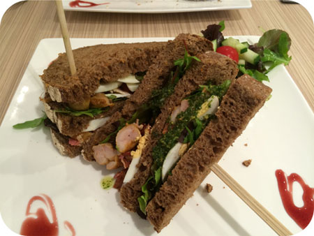 Ups & Downies in Veenendaal club sandwich kip