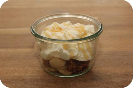 Griekse Yoghurt met Banaan, Pecannoten en Bastognekoekjes