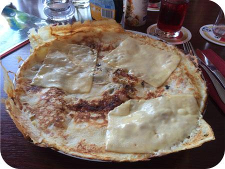 Brasil in Callantsoog kaas-spek-champignon pannenkoek