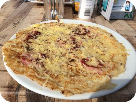 Dorpstarveerne De Tav in Callantsoog pannenkoek spek kaas
