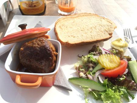 Dorpstarveerne De Tav in Callantsoog huisgemaakte gehaktbal
