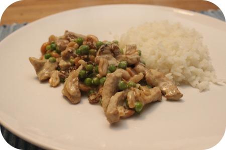 Rijst met Schnitzel, Doperwten en Rozijnen