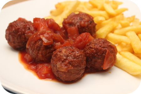 Vegaballetjes in Tomatensaus