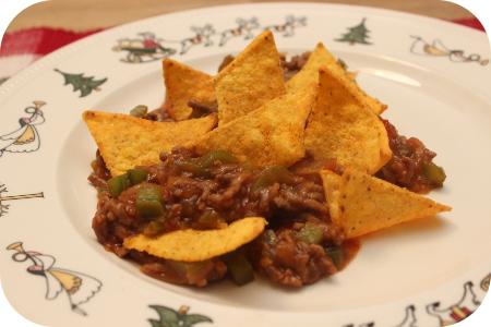 Gehakt in Zoetzure saus met Tortilla Chips