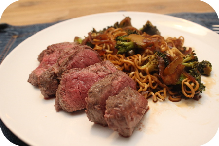 Dag 1 Marley Spoon: Biefstuk met Ketjap Noodles en Broccoli