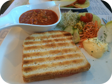 Taverne de Ring in Turnhout Croque Bolognese