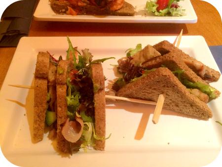 Columbus - Scheveningen club sandwich kip