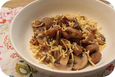 Macaroni met Champignons en Worstjes
