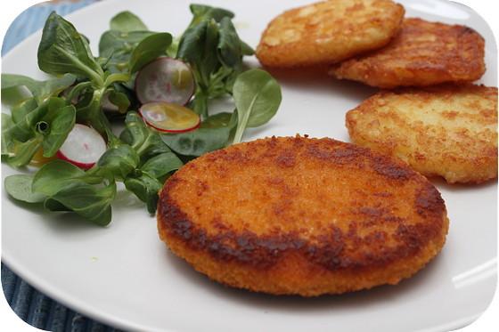 Kipburger met Salade en Röstirondjes