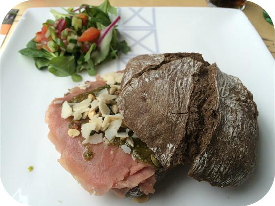 Rustico broodje carpaccio T-Huis Arnhem