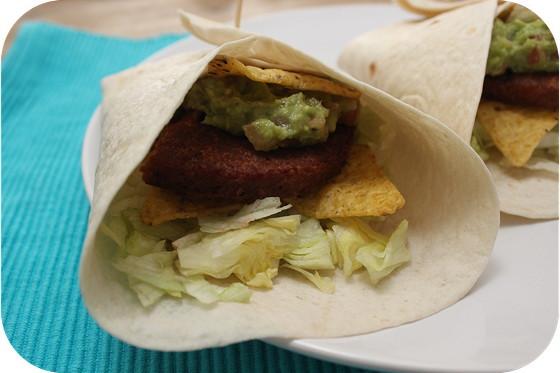 Vega: Wraps met Vegaburger, Tacochips en Guacamole