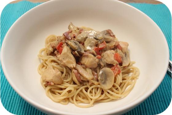 Spaghetti met Kip en Champignons in Roomsaus