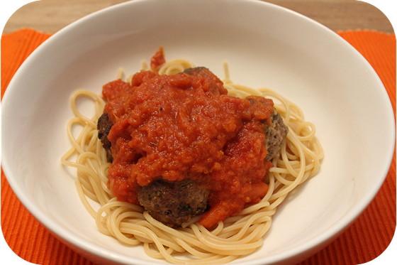 Spaghetti met Gehaktballetjes in Wortel-Tomatensaus