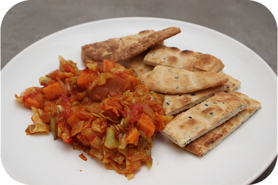 Curry van Zoete Aardappel en Spitskool