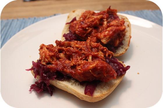 Ciabatta Pulled Chicken met Rode Kool
