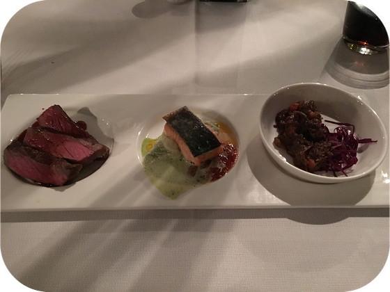 De Rotisserie rhenen Striploon steak met spruitjes, zalm met stamppot van snijbonen, stoofpotje van wild met kruidkoek