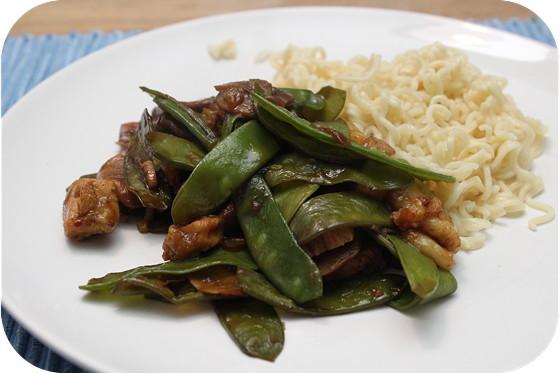 Noodles met Peultjes, Banaan en Kipfilet