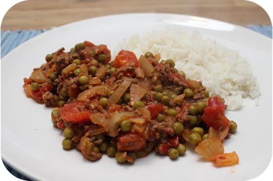 Rijst met Doperwten en Gehakt Curry