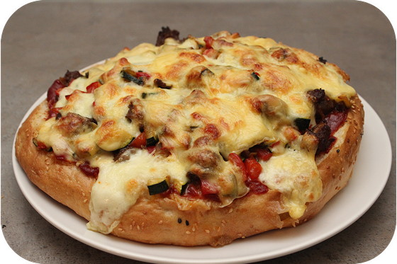 Turks Brood Pizza