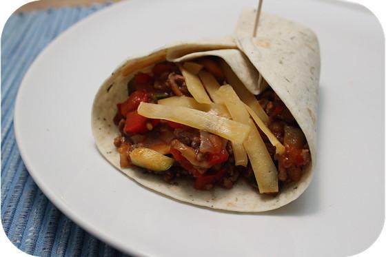 Wraps met Gehakt, Courgette, Paprika en Champignons