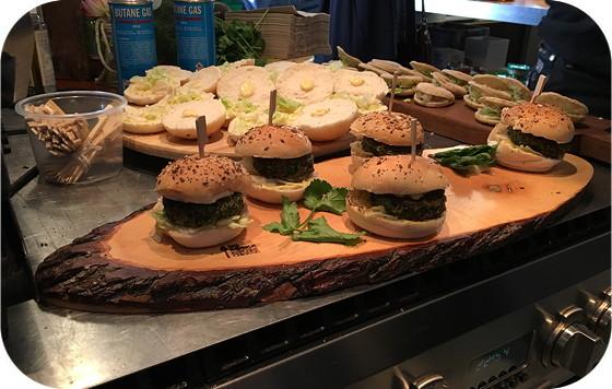Proeven op de Culiperslunch 2016 Tivall boerenkool quinoa burger