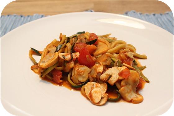 Courgetti met Champignons en Tomaat