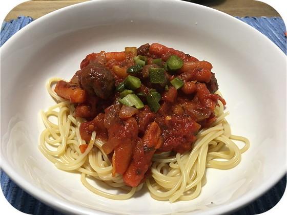 Spaghetti met Worst in Tomatensaus