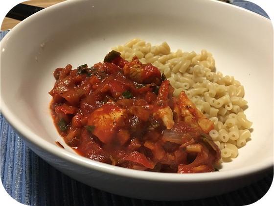 Macaroni met Tomatengroentensaus