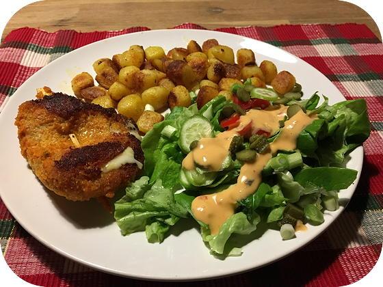 Cordon Bleu met Salade en Gebakken Aardappeltjes