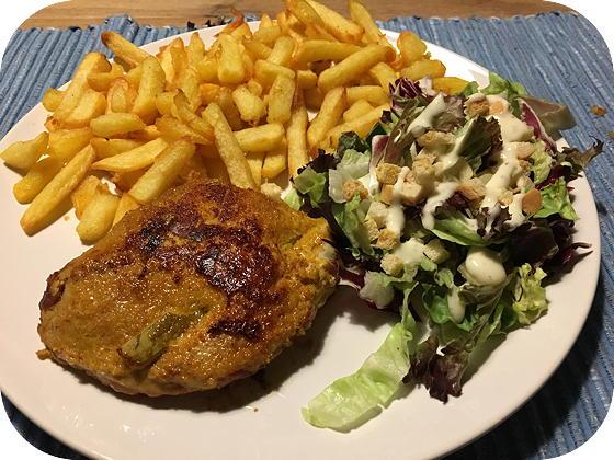 Cordon Bleu met Frites en Salade