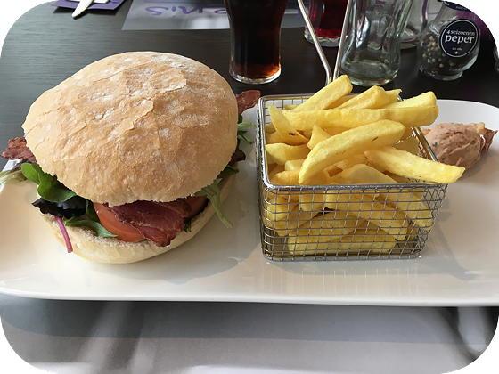 De Belevenis Veenendaal black jack hamburger