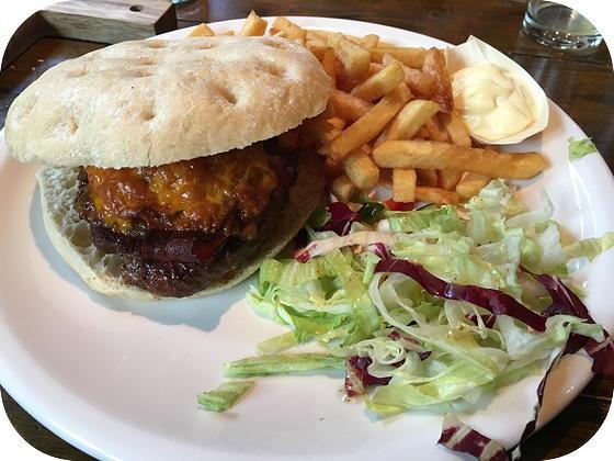 Dock 5 Emmen plate burger