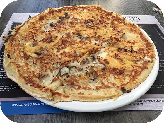 Hugo's in Veenendaal spek kaas ui champignons pannenkoek