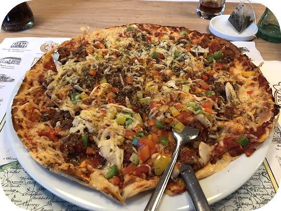 De Pannekoekenbakker - Maarssen Pizza pannenkoek bolognese