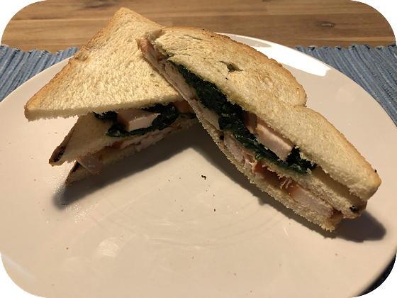Clubsandwich met Spinazie en Gerookte Kip