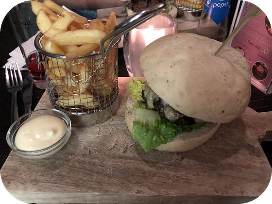 Lobbybar Van Der Valk Hoorn wagyu burger