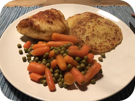 Kip Cordon Blue met Kartoffelpuffers en Doperwtjes met Wortels