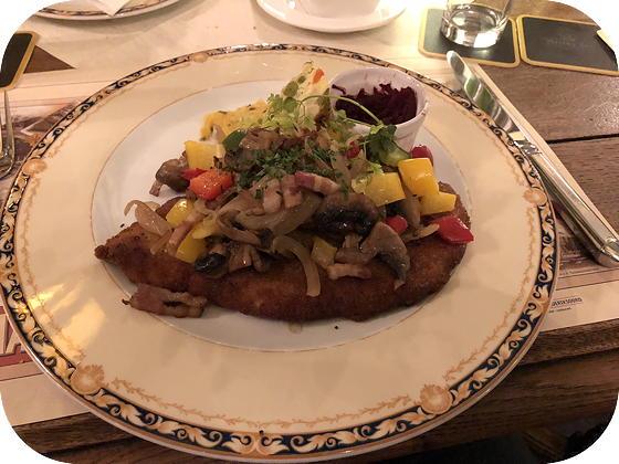 Uiteten bij Hotel Frederiksoord schnitzel